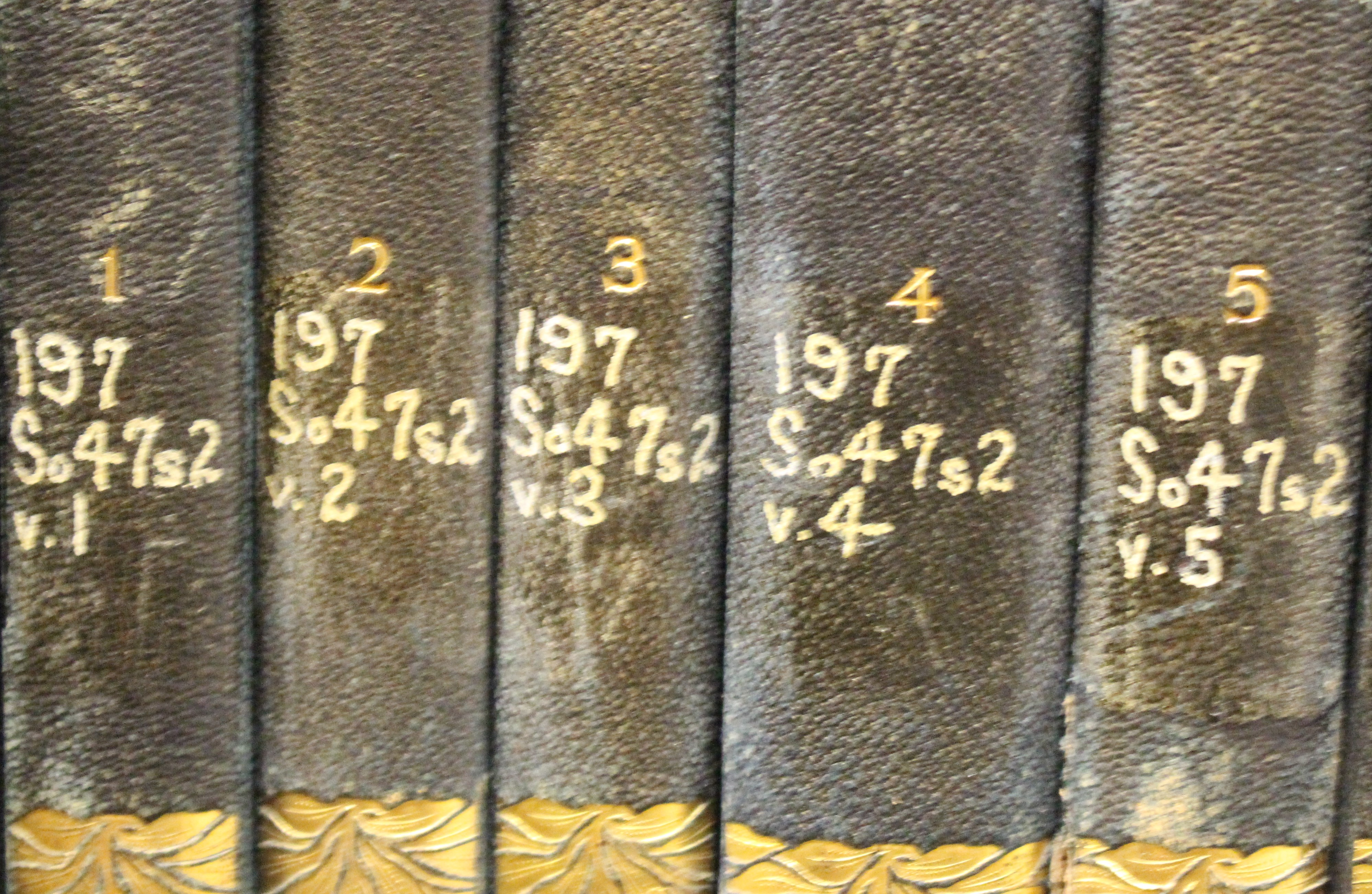 Books with Dewey Decimal call numbers